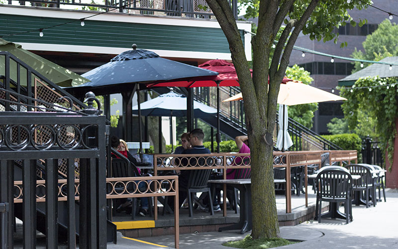 Madison's outdoor seating in Mount Clemens